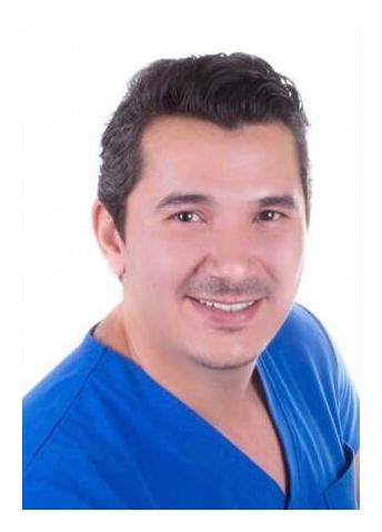 دكتور  أحمد الجزائري جراح الوجه والفكين
