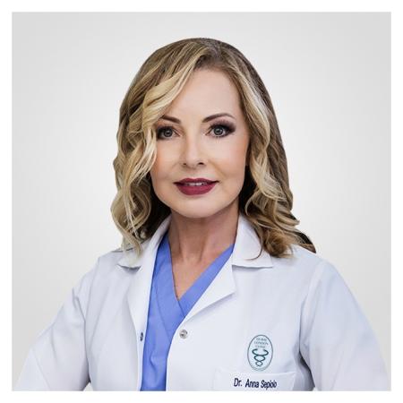دكتور  انا سبيولو أخصائي نساء وتوليد