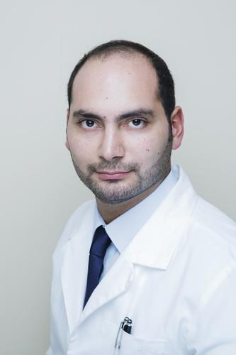 دكتور  أحمد فقية أخصائي نساء وتوليد