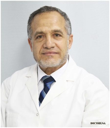 بروفيسوردكتور  احمد نوح أخصائي نساء وتوليد