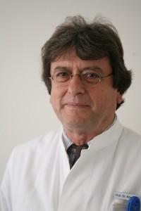 بروفيسوردكتور  ديتليف كومبف أخصائي المخ و الأعصاب