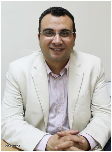 دكتور  محمد عمر خليفة دكتور الامراض الباطنية -الجهاز الهضمي والكبد