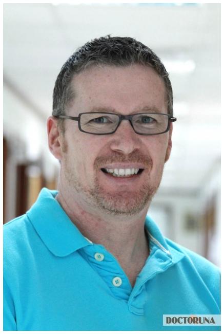 استيفين ريتشاردسون أخصائي تقويم العظام