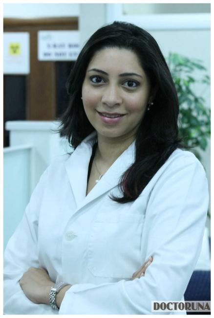دكتور  تينا روكديا دكتور أسنان