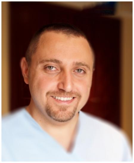 دكتور  وائل نحاس أخصائي تقويم الأسنان