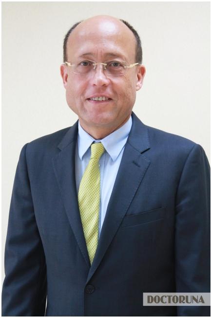 بروفيسوردكتور  ولف جانج أوفرمان اختصاصي أمراض العمود الفقري