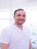 دكتور  زياد صقر دكتور أسنان