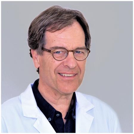 دكتور  مانيو فون مارافيك أخصائي المخ و الأعصاب