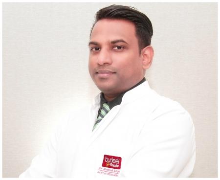 أفضل أطباء إدارة آلام كعب القدم في دبي ، الإمارات