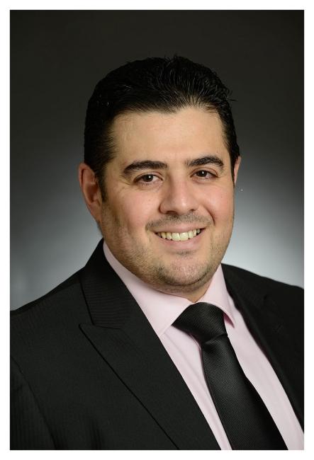 Dr.  Mosab Almomani Urologist